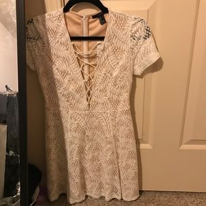 Forever 21 Trendy White Lace Lace-Up A line Dress